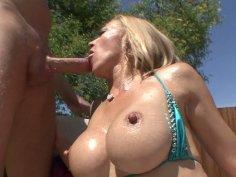 Stud Mark Wood gets a splendid dick riding performed by blondie Genna Eve