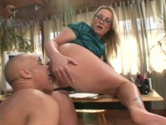 Bootylicious hot Flower Tucci provides a cock with a footjob