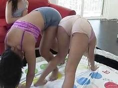 Californian Teen Besties Twister Party!